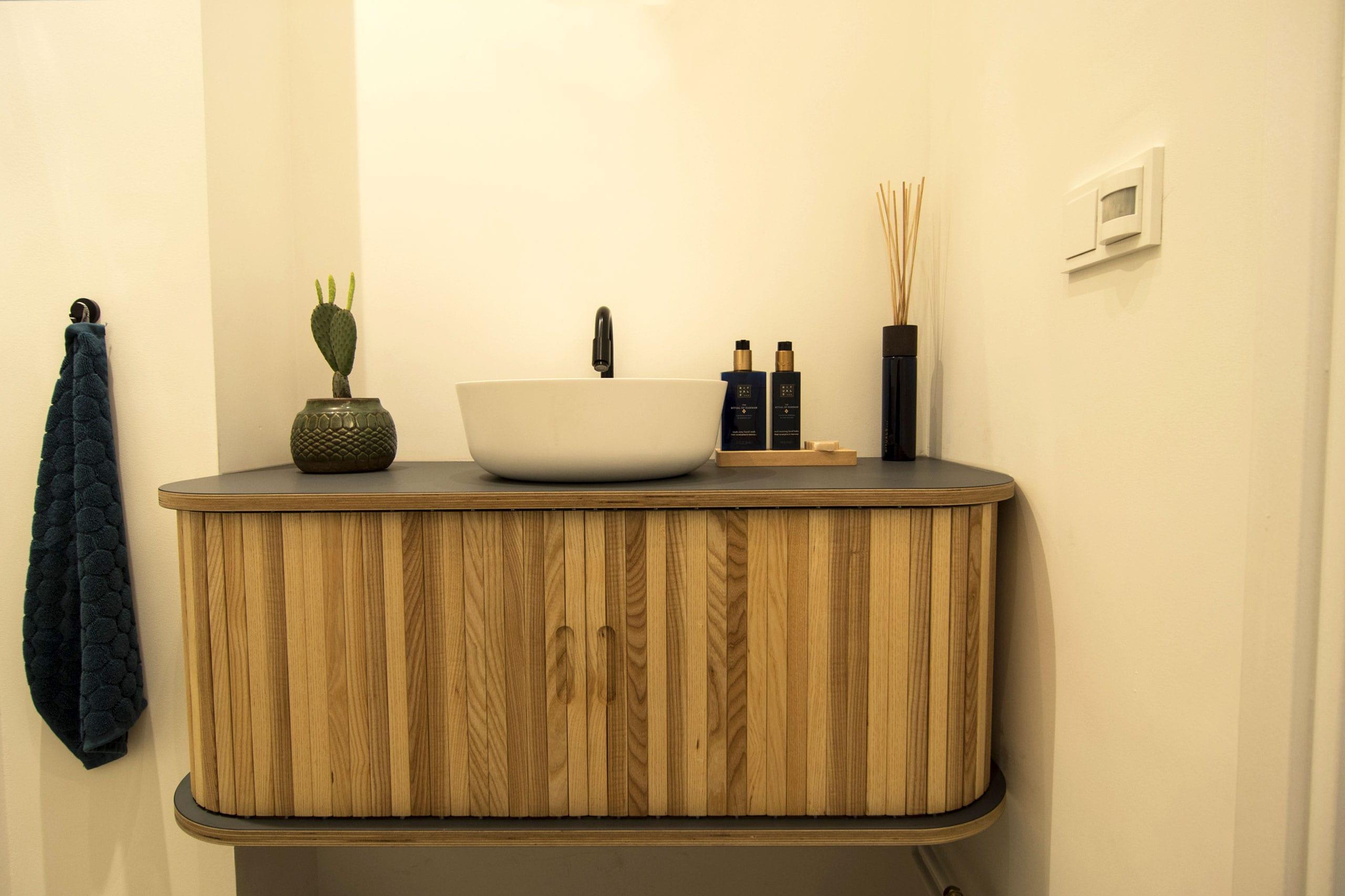 houten-toilet-meubel-badkamer-op-maat